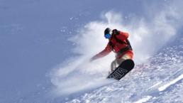 location d'appartement à la joue du loup avec activité snowboard
